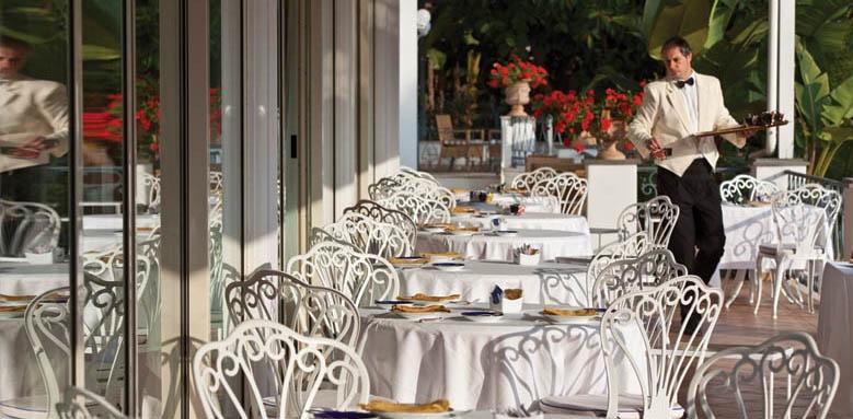 Grand Hotel Excelsior Terme, restaurant terrace
