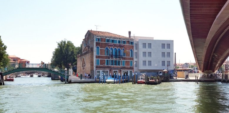 Hotel Santa Chiara, exterior