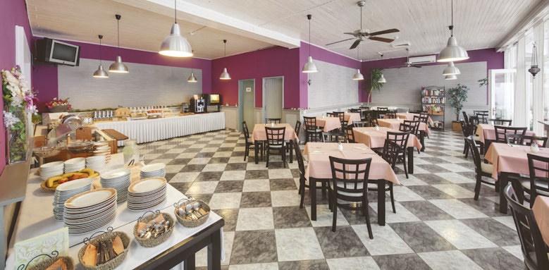 villa adriatica, restaurant indoors