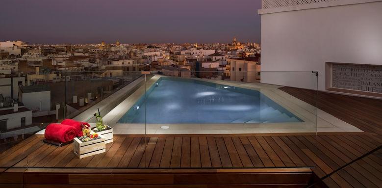 gran melia colon, rooftop pool