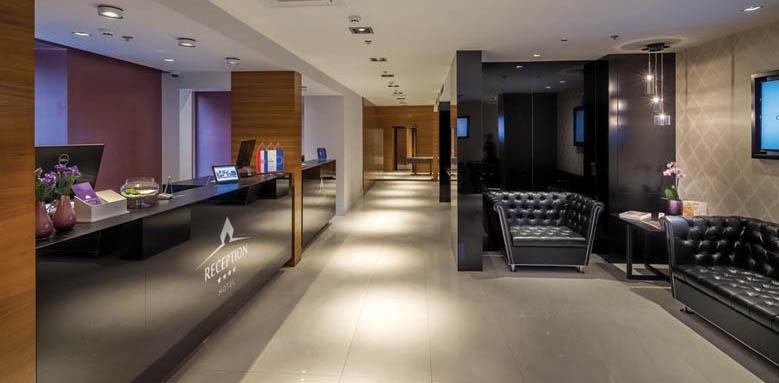 Cornaro Hotel, Lobby