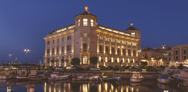 Ortea Luxury Palace, exterior by night