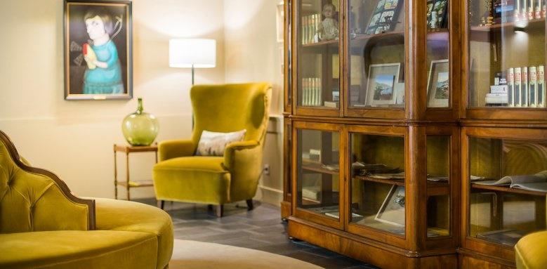 Castanheiro Boutique Hotel, library