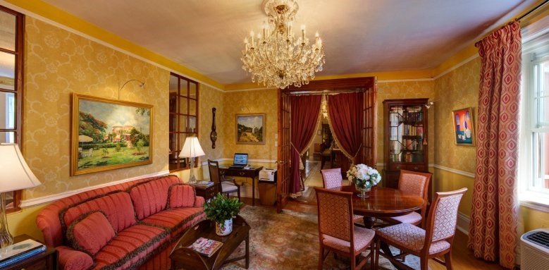 Royal Palms Hotel, Rose Lounge