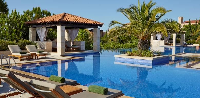 The Romanos Resort, pool
