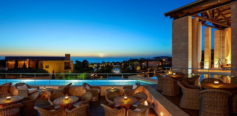 The Romanos Resort, anax lounge