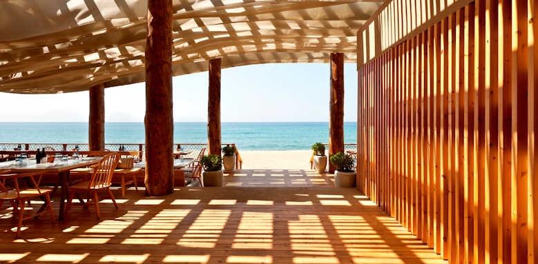 The Romanos Resort, Barbouni Restaurant