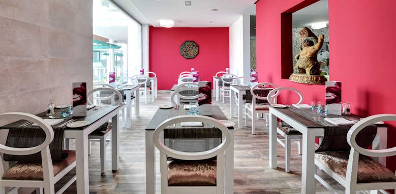 Barcelo teguise beach, restaurant