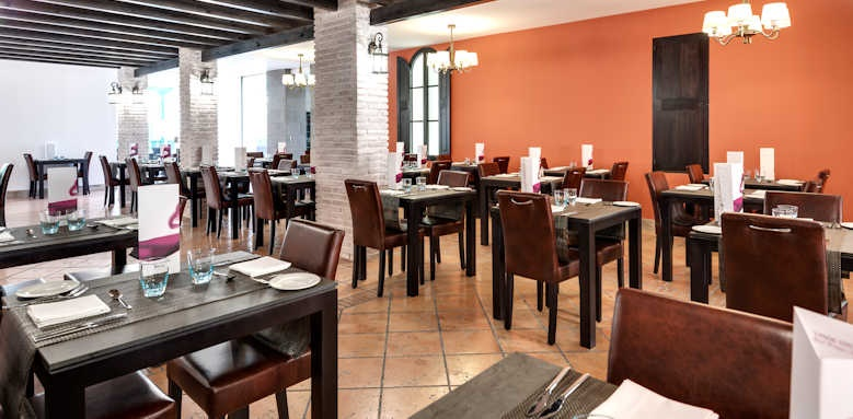 Barcelo teguise beach, restaurant area