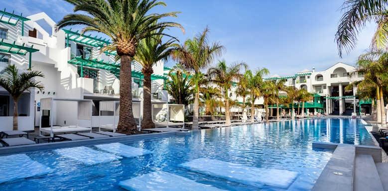 Barcelo teguise beach, pool
