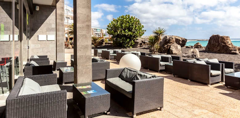 Barcelo teguise beach, terrace area