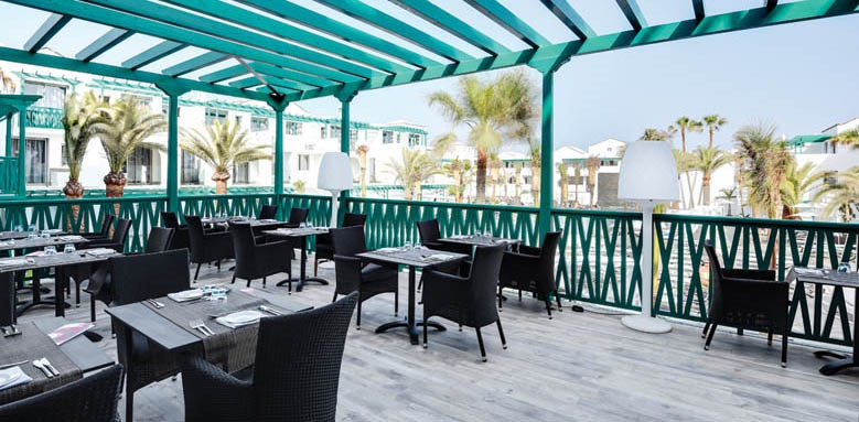 Barcelo teguise beach, buffet restaurant terrace