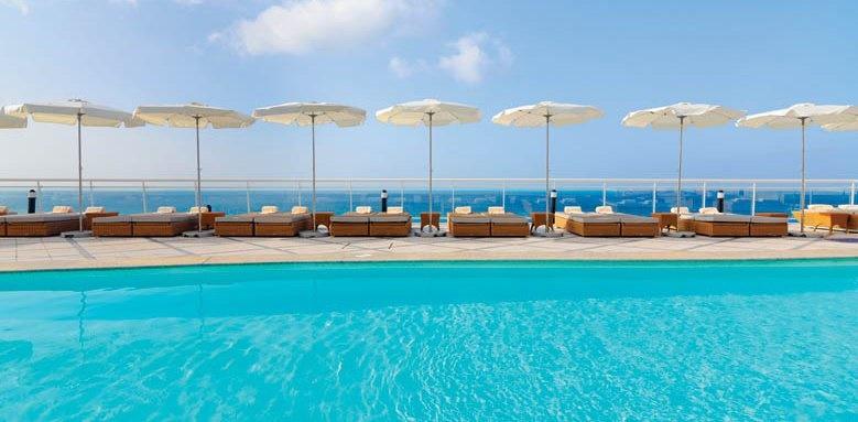 XQ El Palacete, Pool
