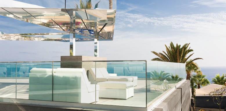 La Isla Y El Mar, Terrace