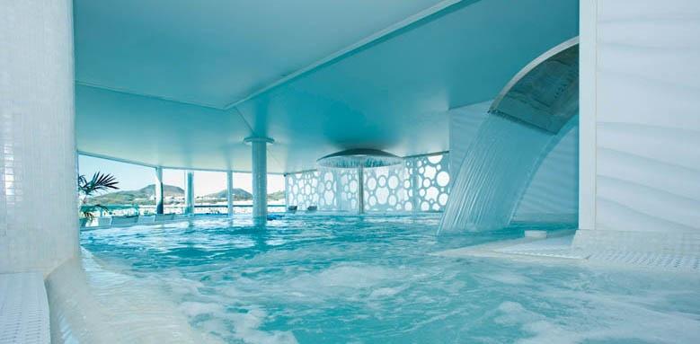 Hotel Reina Isabel, indoor pool
