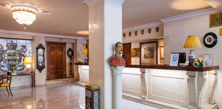 Hotel Inglaterra, hallway