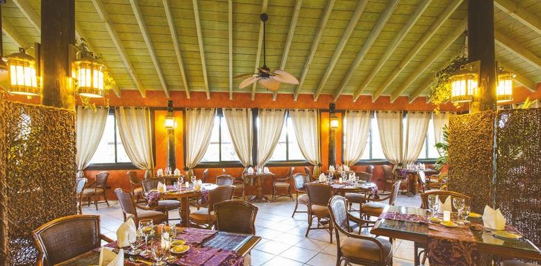 Verandah Resort, Nicoles restaurant