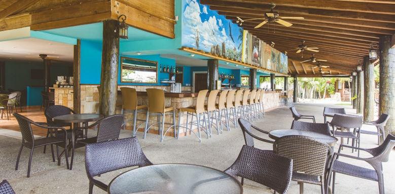 Verandah Resort, main bar
