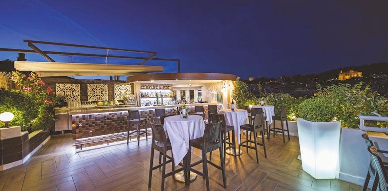 hotel carmen, rooftop bar