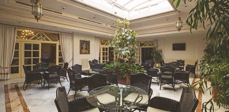 hotel carmen, magnolio lounge