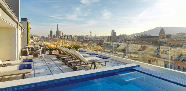 H10 Cubik, pool terrace