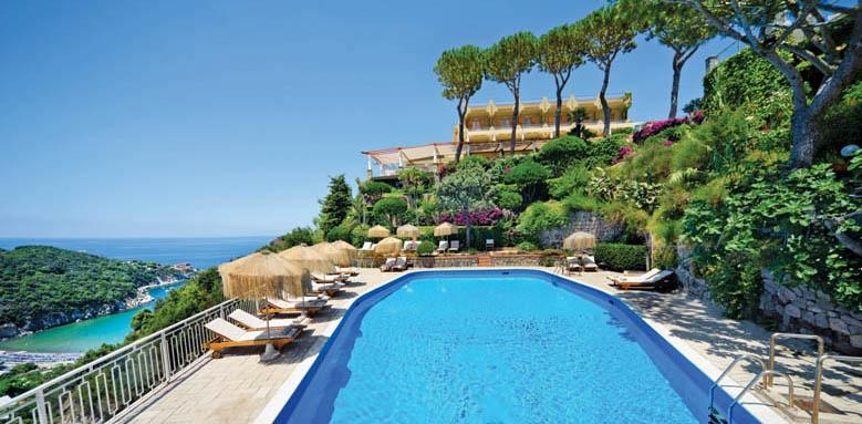 San Montano Resort & Spa, pool