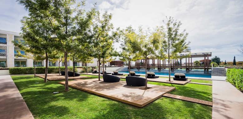 Anantara Vilamoura Resort, outdoor pool area