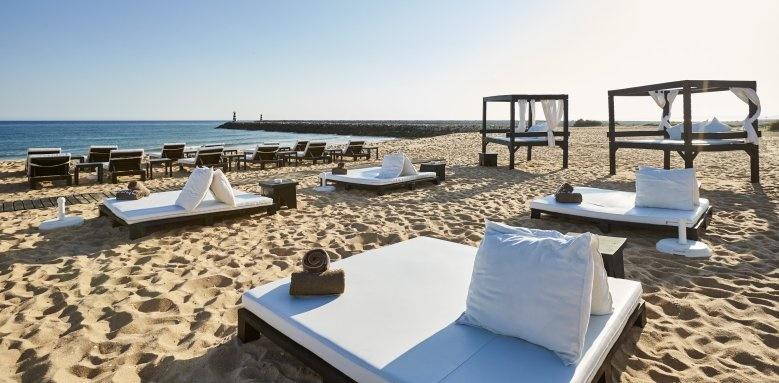 Anantara Vilamoura Resort, bali beds and beach
