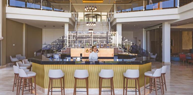 zafiro palace palmanova, lobby bar