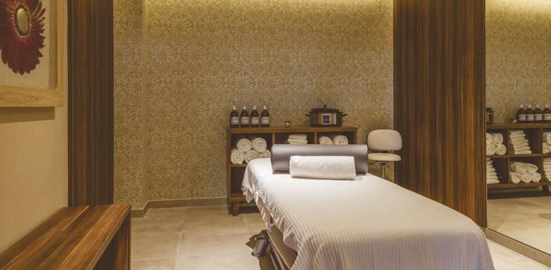 zafiro palace palmanova, spa