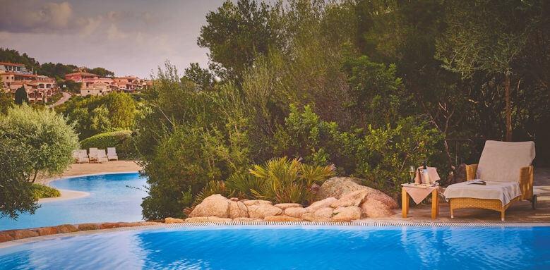 Colonna Pevero, pool