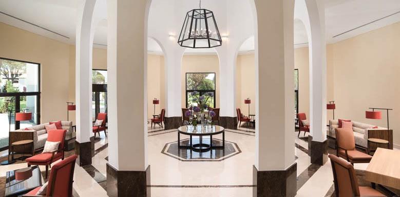 Pine Cliffs Ocean Suites, lobby