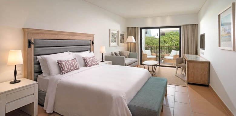 Pine Cliffs Ocean Suites, junior suite