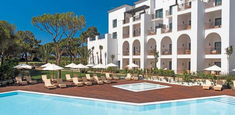 Pine Cliffs Ocean Suites, pool