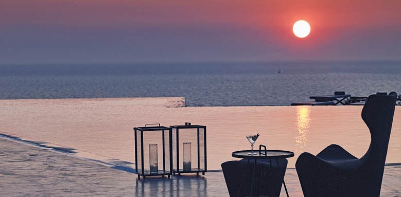 Santo Maris Suites, main pool sunset