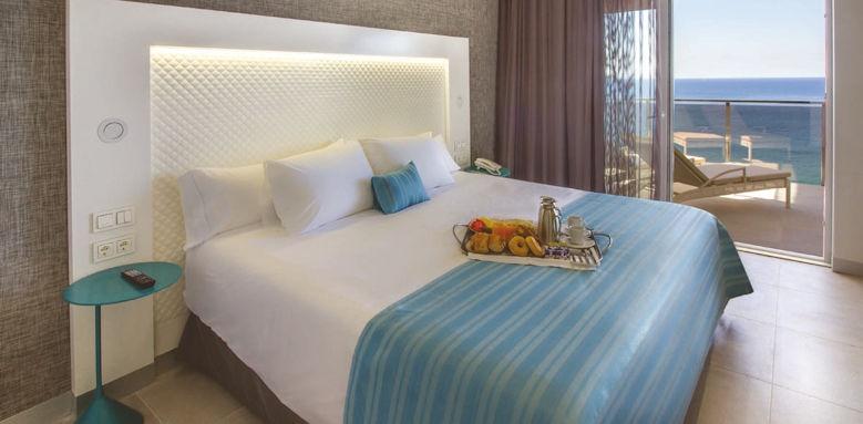 Suitopia Sol y Mar Suites Hotel, suite