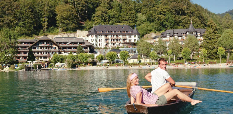 Ebner's Waldhof am See, couple in boat