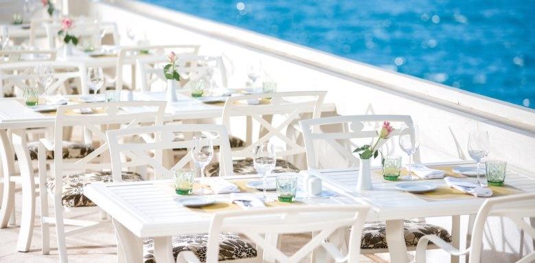 Royal Blue Hotel, restaurant
