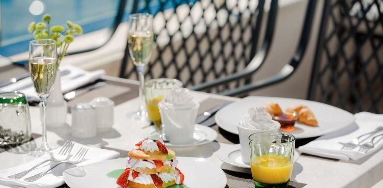 Royal Blue Hotel, restaurant dining
