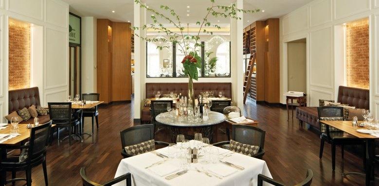 Victoria Jungfrau Grand Hotel, restaurant interior
