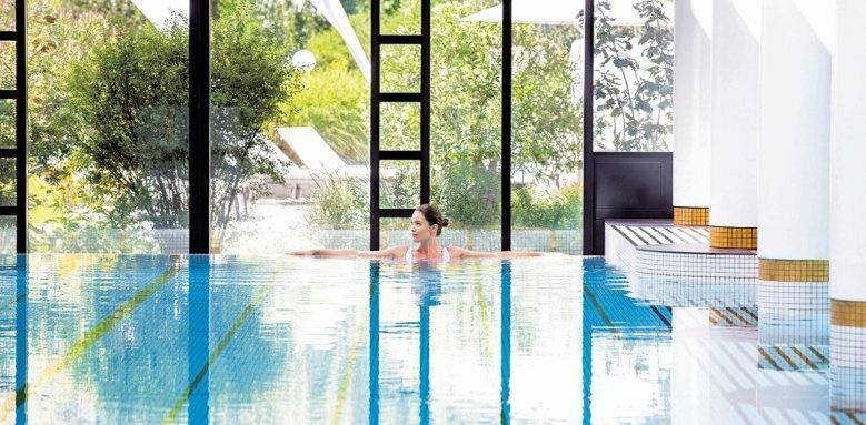 Victoria Jungfrau Grand Hotel, spa pool