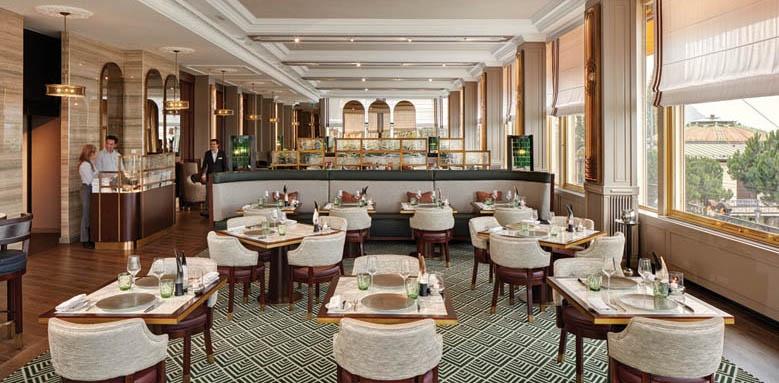 Fairmont Le Montreux Palace, dining