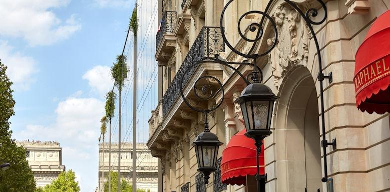 Hotel Raphael, Entrance Image