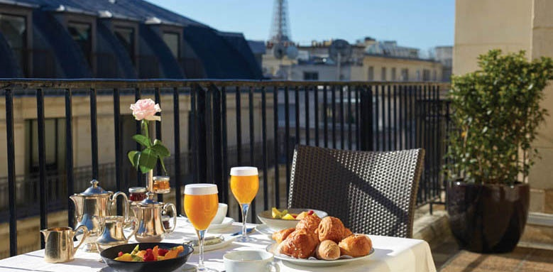 Hotel Raphael, breakfast with a view