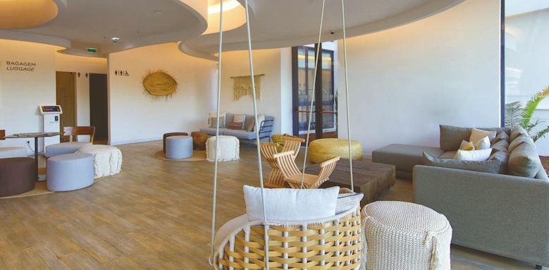 Jupiter Marina, lobby