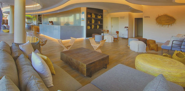 Jupiter Marina, lounge