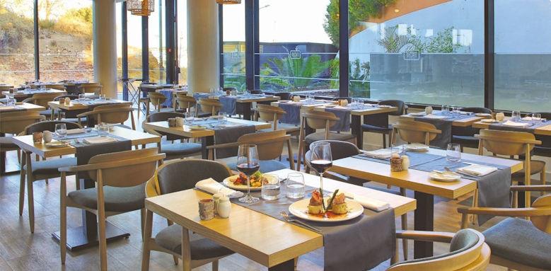 Jupiter Marina, restaurant