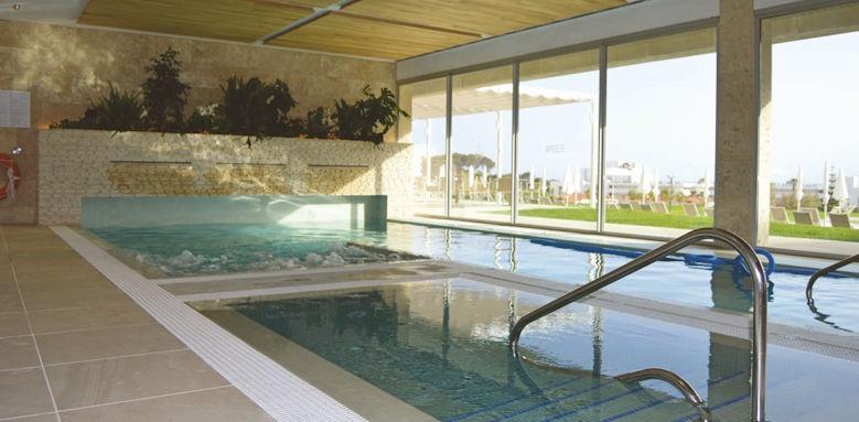 hotel 55 santo tomas, spa pool