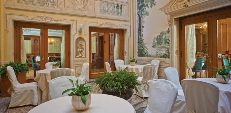 Grand Hotel Majestic Bologna, winter garden