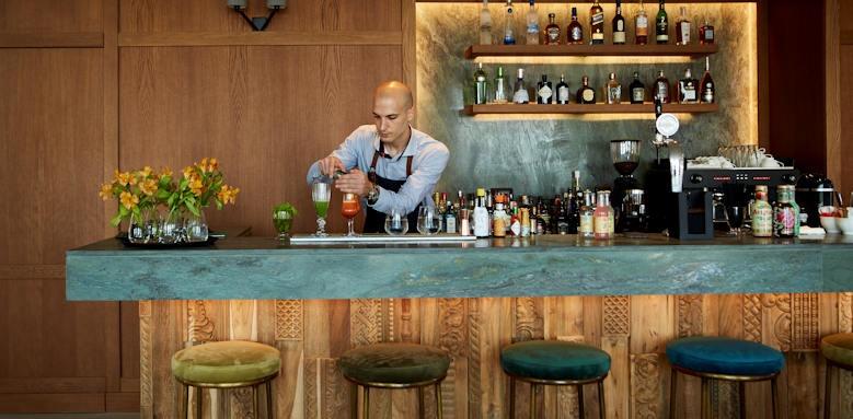 Marbella Nido Suites, lobby bar